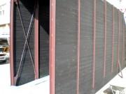 旧吉野小学校不燃天然木道産から松 外部通路